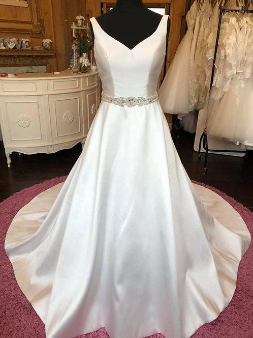 Pheonix Gowns Wedding Dress