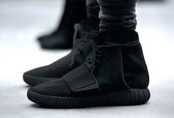 5b44dc87a9b41 Triple Black Adidas Yeezy Boost 750.. They re FAKE !