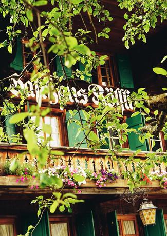 Restaurant Rössli Feutersoey Gstaad.jpg
