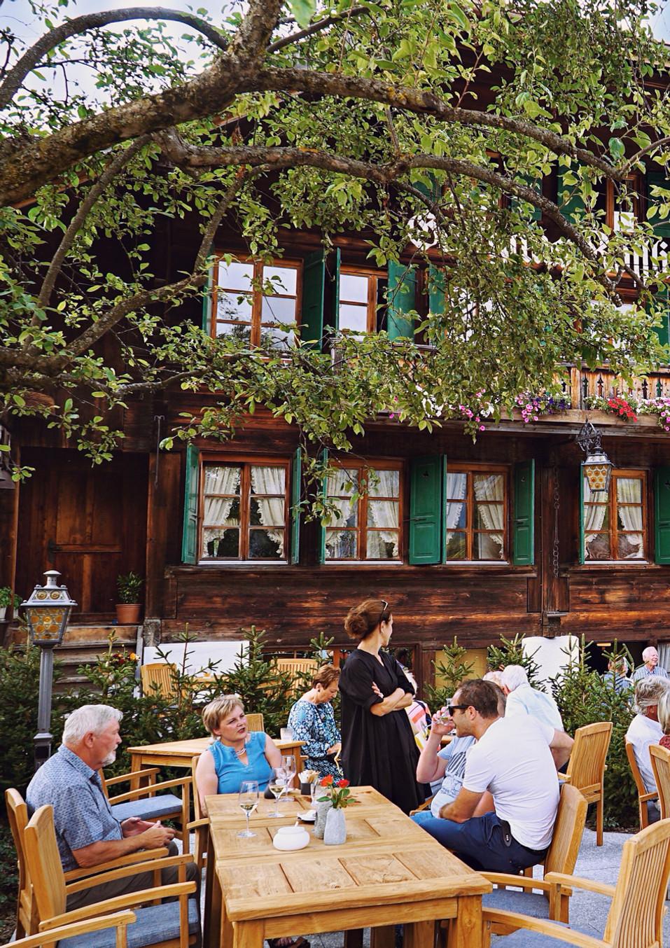 307 Restaurant Rössli Feutersoey-Gstaad.jpg