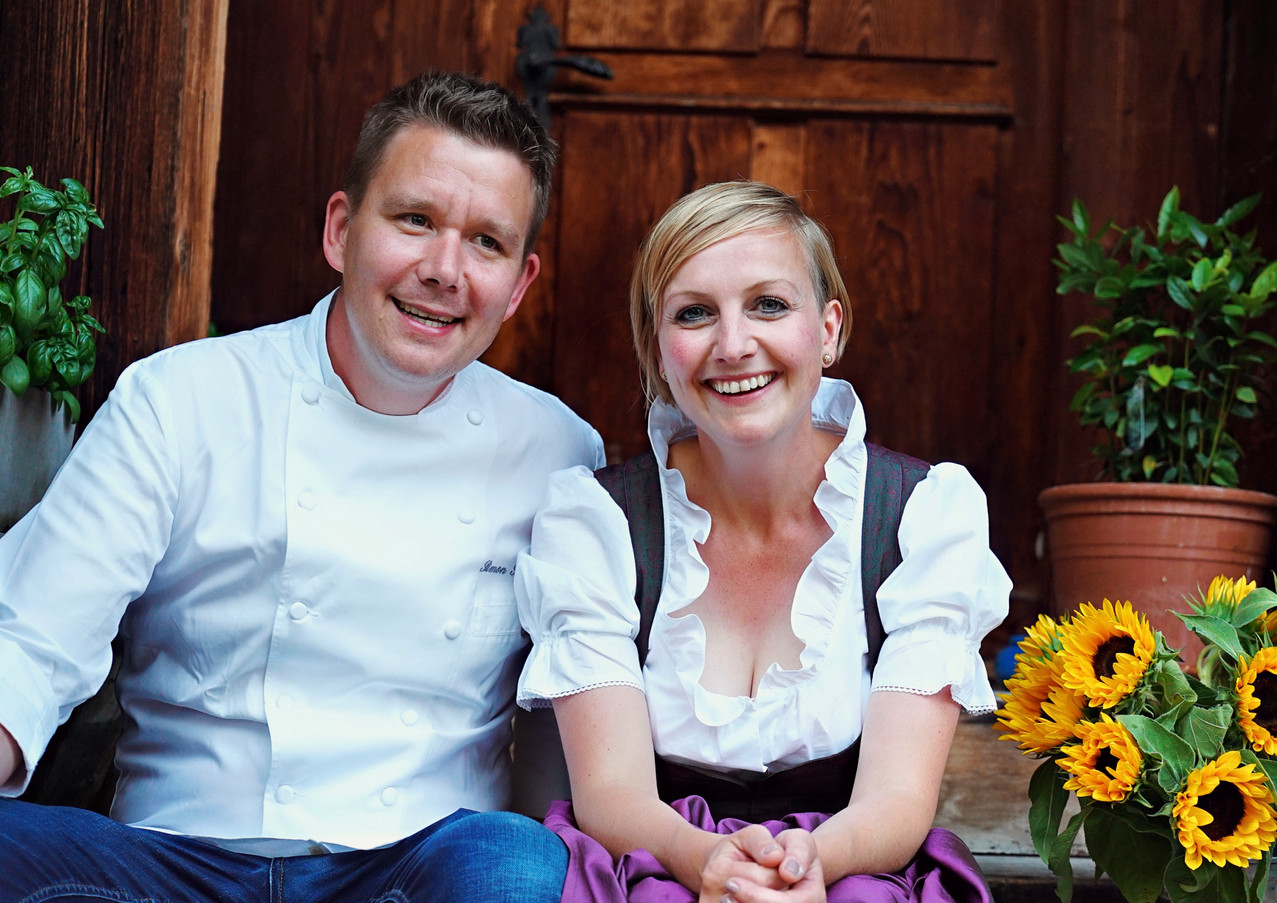 A60D6CF8_Restaurant_Rössli_Feutersoey_Gstaad.jpg