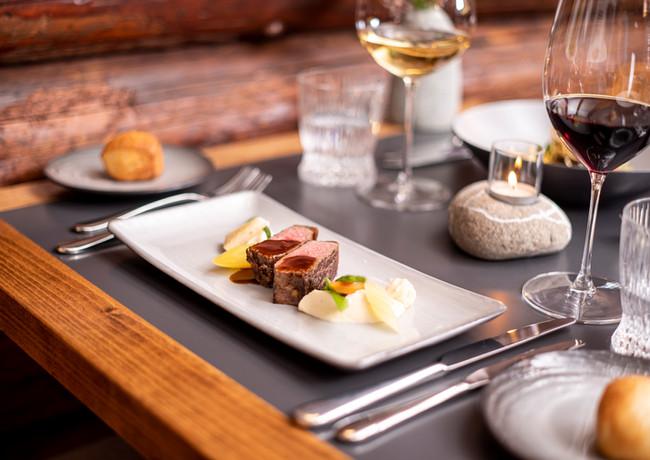 Restaurant_Roessli_Feutersoey_Gstaad_Auf