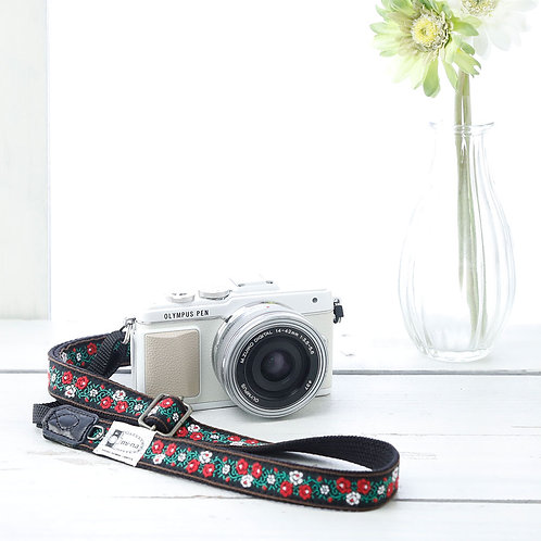Camera Strap/ Retro rose