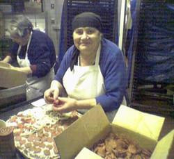 Maddalena & Mama Leonardi making pizzas