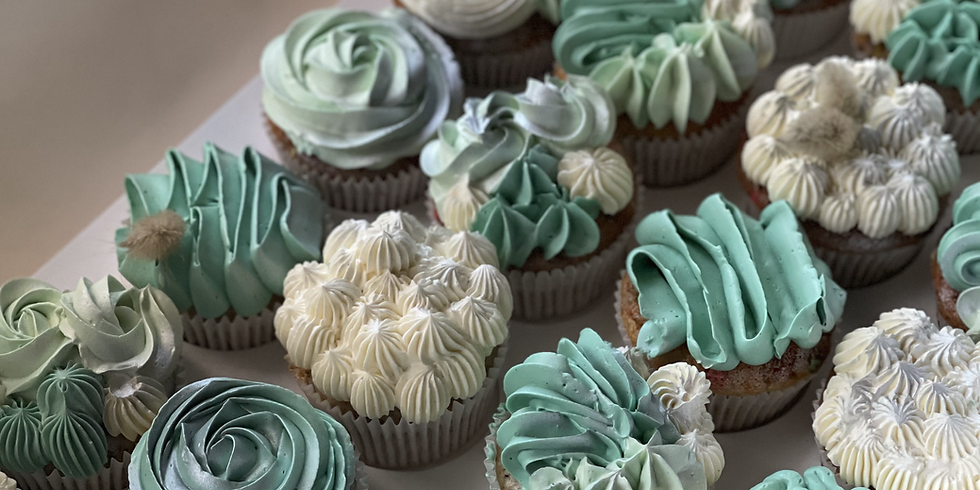 Adult cupcake decorating class