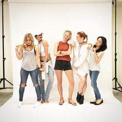 The I heart Kate club! #itsawrap today's shoot with _michellejproctor _bronjol _dressmeblogme _peony