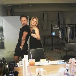 We cool! #wefie #werk #bts #photoshoot #mybae❤ #makeupartist #stylist #makeup #hair #mua #muahk #hkm