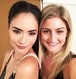 That time you took a selfie with a supermodel 😝 _ana_r #shouldhavewornmoremakeup #supermodel #super