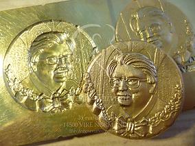 détail matrice métal et pièces bronze