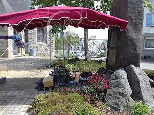 chantier parasol outils gravure monument aux morts