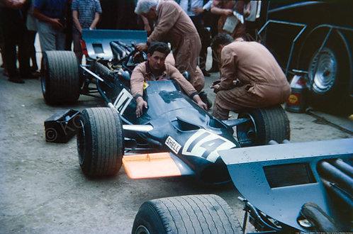106-John Surtees, BRM P-139, F1 Britain 1969