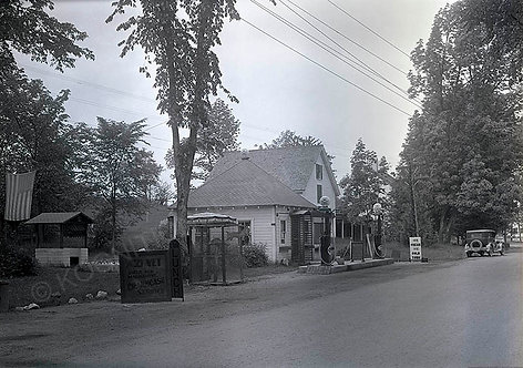 148-Campbell's filling station, Gulf gas center, Ossipee, NH. 1920's