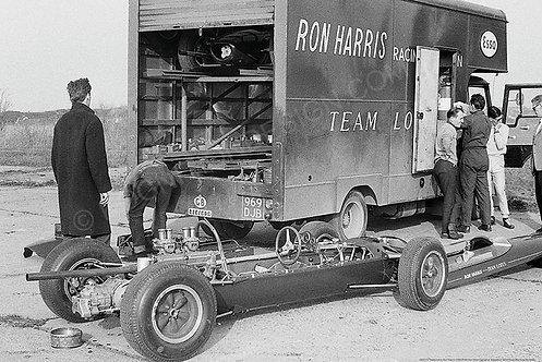 "002-F2-Team-Lotus-Ron-Harris-1969  18""x27"""