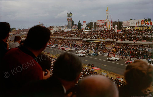 142-24 hour Le Mans race start, Ford,Ferrari 1966