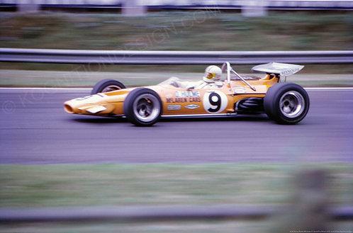 "024-Denny Hulme McLaren F1 Grand Prix Britain 1970 18""x27"""