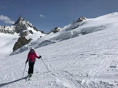 Descente à ski de la vallée blanche, massif du Mont-Blanc