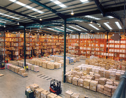 Modern_warehouse_with_pallet_rack_storag