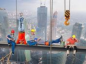 skyworkers-4656778_1920_edited.jpg