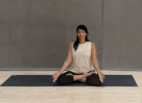 Padmasana (Lotus Pose) – A Yoga Pose For Meditation