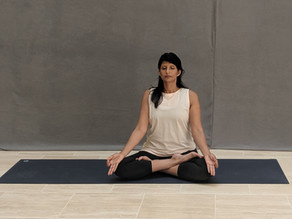 Padmasana (Lotus Pose) – A Yoga Pose For Meditation