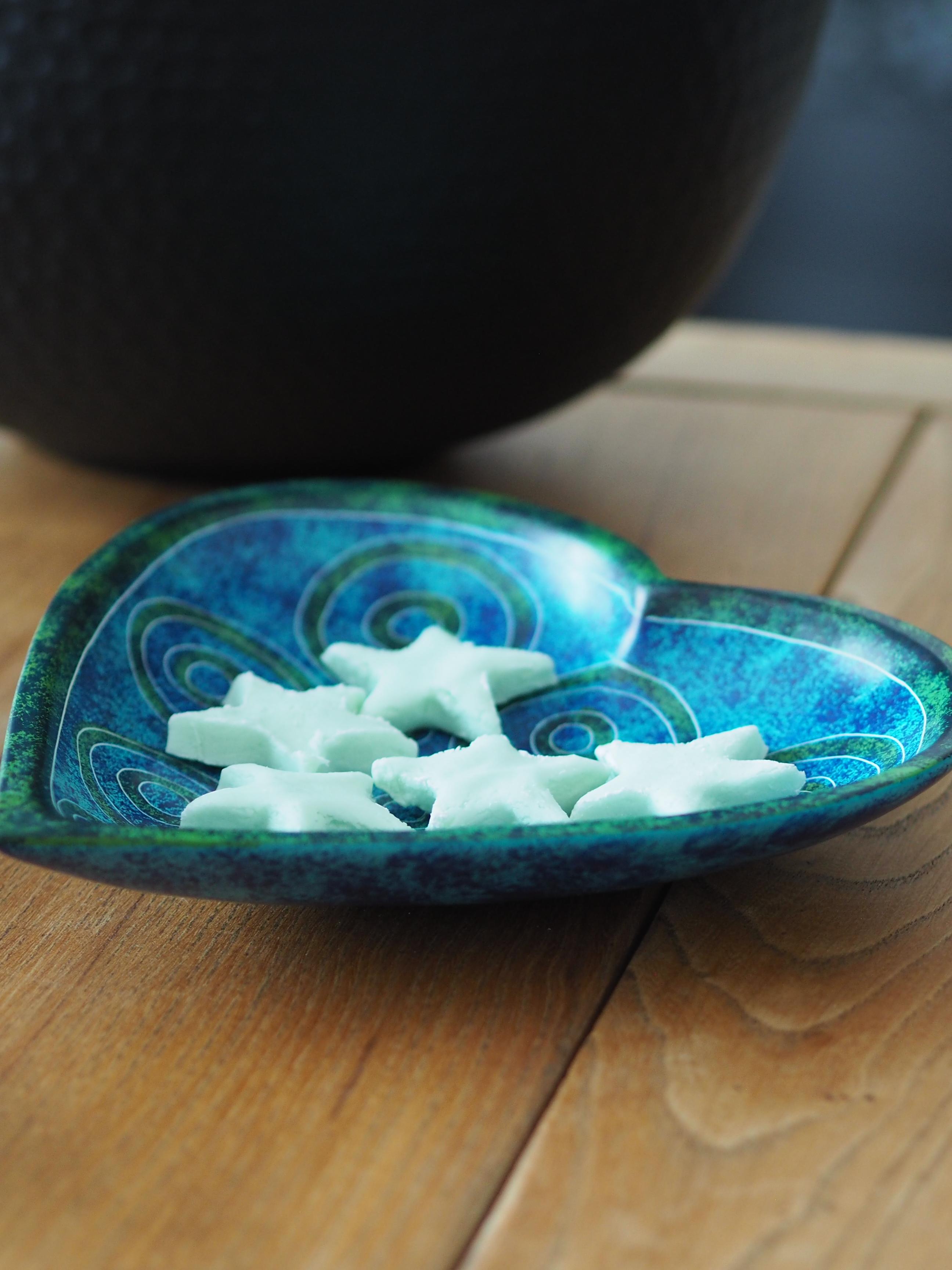 green soapstone heart bowl cover shot.JP