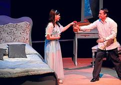 Verónica Pinzón como Elsa, Julio el musical