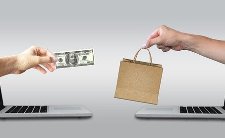 How E-commerce websites help people in 2021