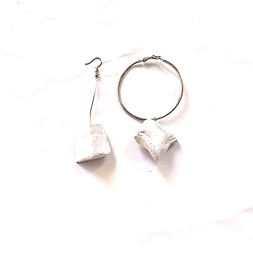 56/ 彫刻 earrings