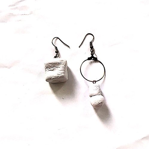 54/ 彫刻 earrings