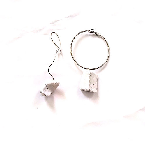 51/ 彫刻 earrings