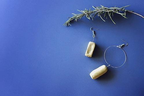100/ 彫刻 earrings