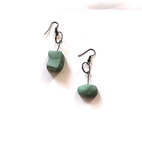 32/ 彫刻 earrings