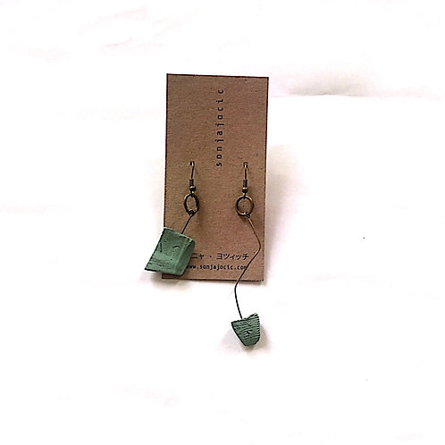 24/ 彫刻 earrings
