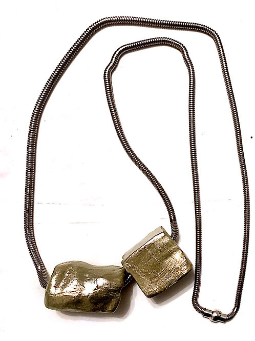 02/ 彫刻 necklace