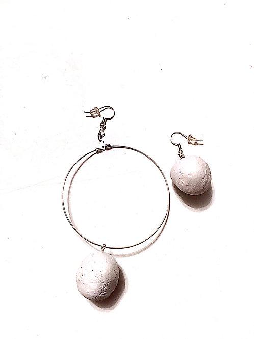 03/ 彫刻 earrings
