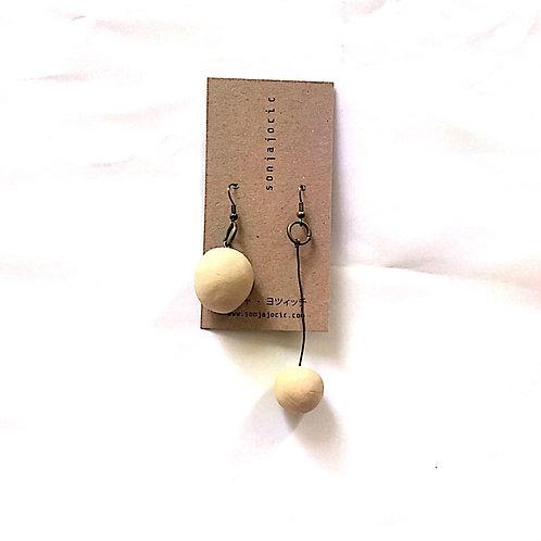 25/ 彫刻 earrings