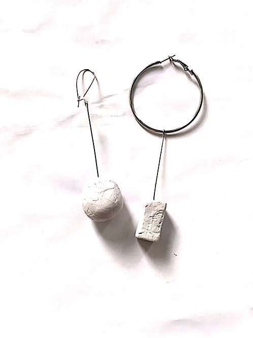59/ 彫刻 earrings