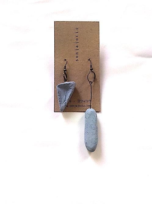19/ 彫刻 earrings