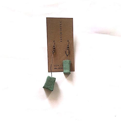 30/ 彫刻 earrings