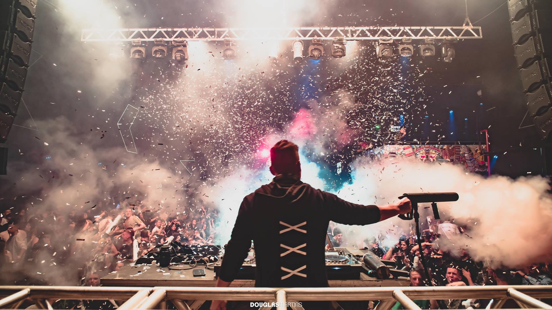 DJ DANNI MARTIN - EFEITOS ESPECIAIS