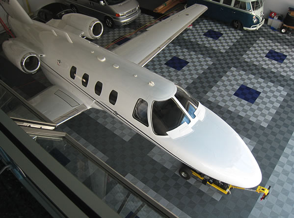 hangar-flooring-tiles