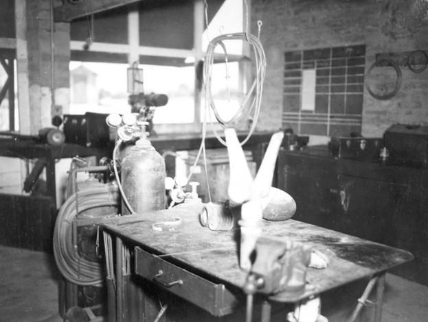 532 Amapa 1945 Metalshop.jpg
