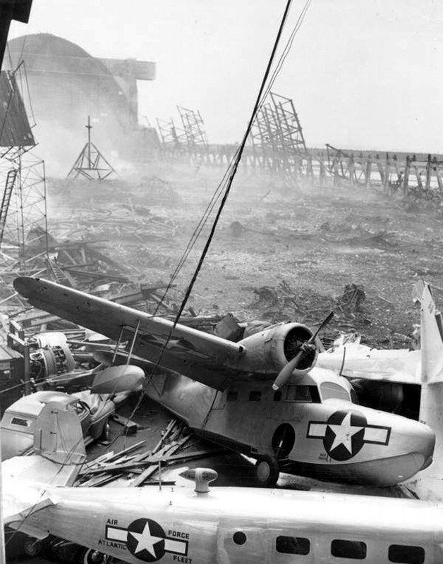 1658441NASRichmondFLWreckage1945.jpg
