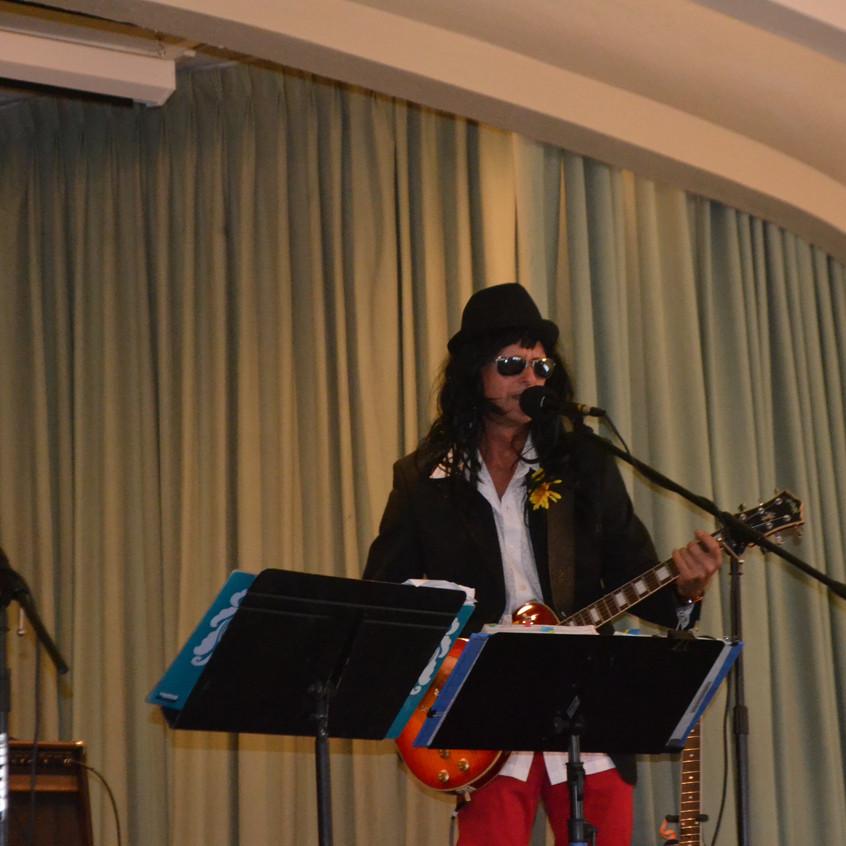 Poe STreet Band!! Tomas - 1