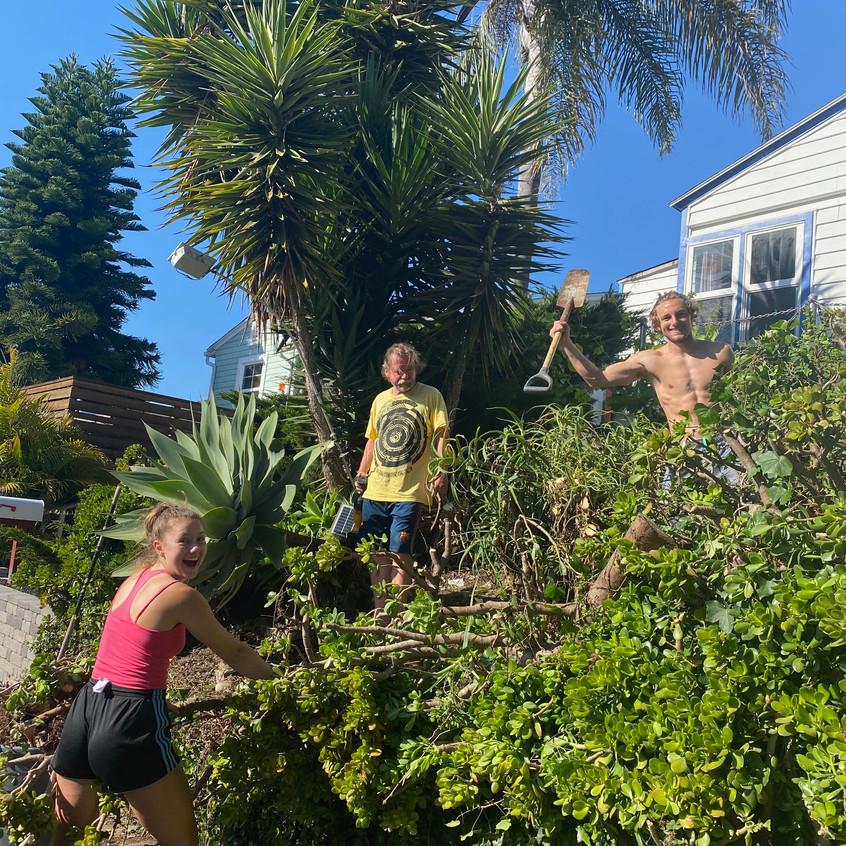 rodina se zahradou-family - 4