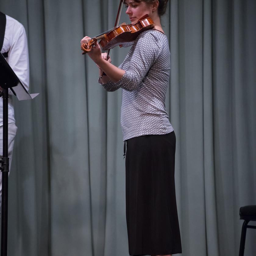 Anicka Skalova, violin