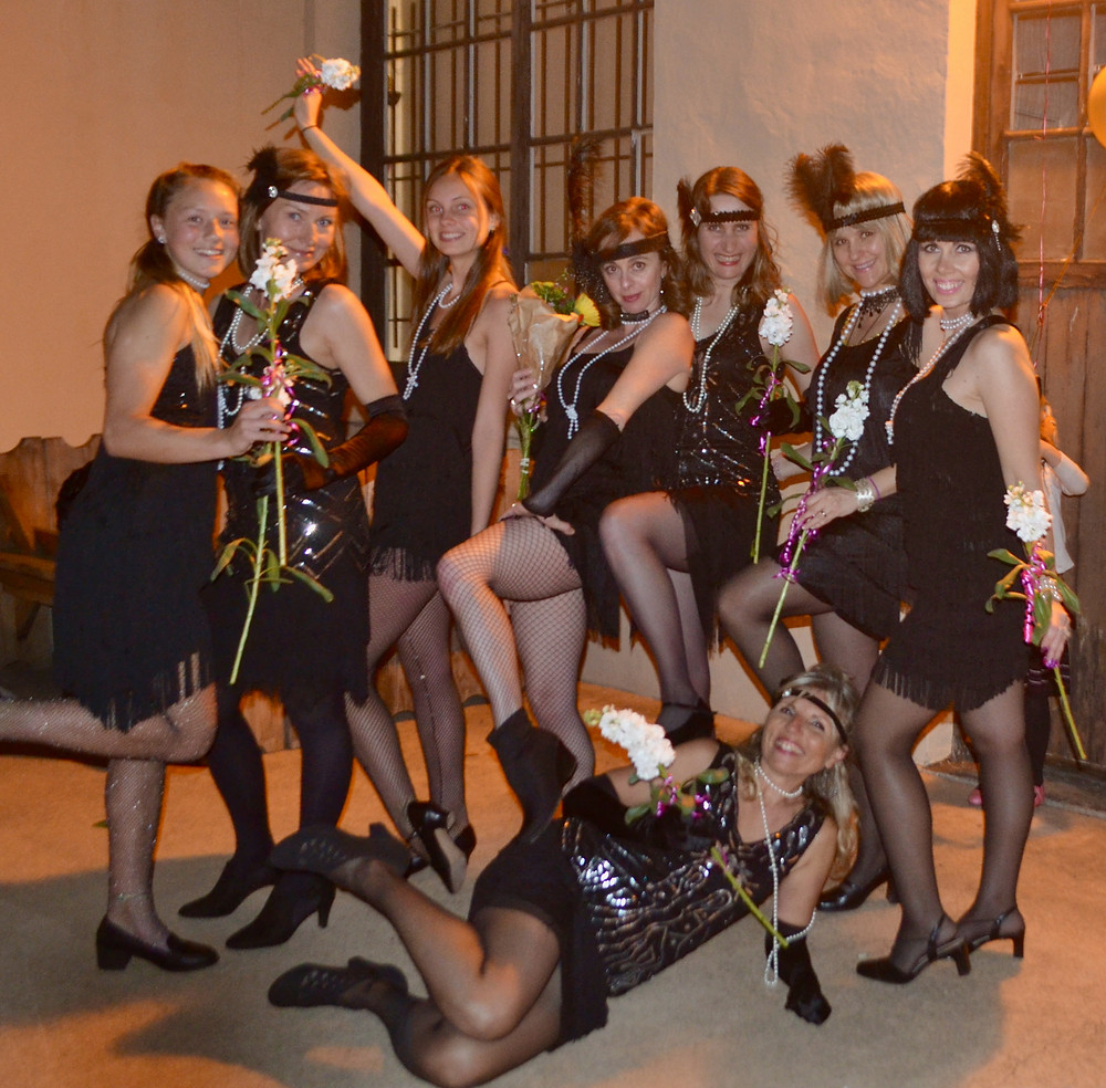 Dancing Queens: from left Adelka Hančová, Hilda Bájová, Sydney Hill, Claire Torres, Kateřina Čapková, Daniela Olszová, Veronila Alliamus Pazdírková, MArkéta Hančová bellow the Queens1