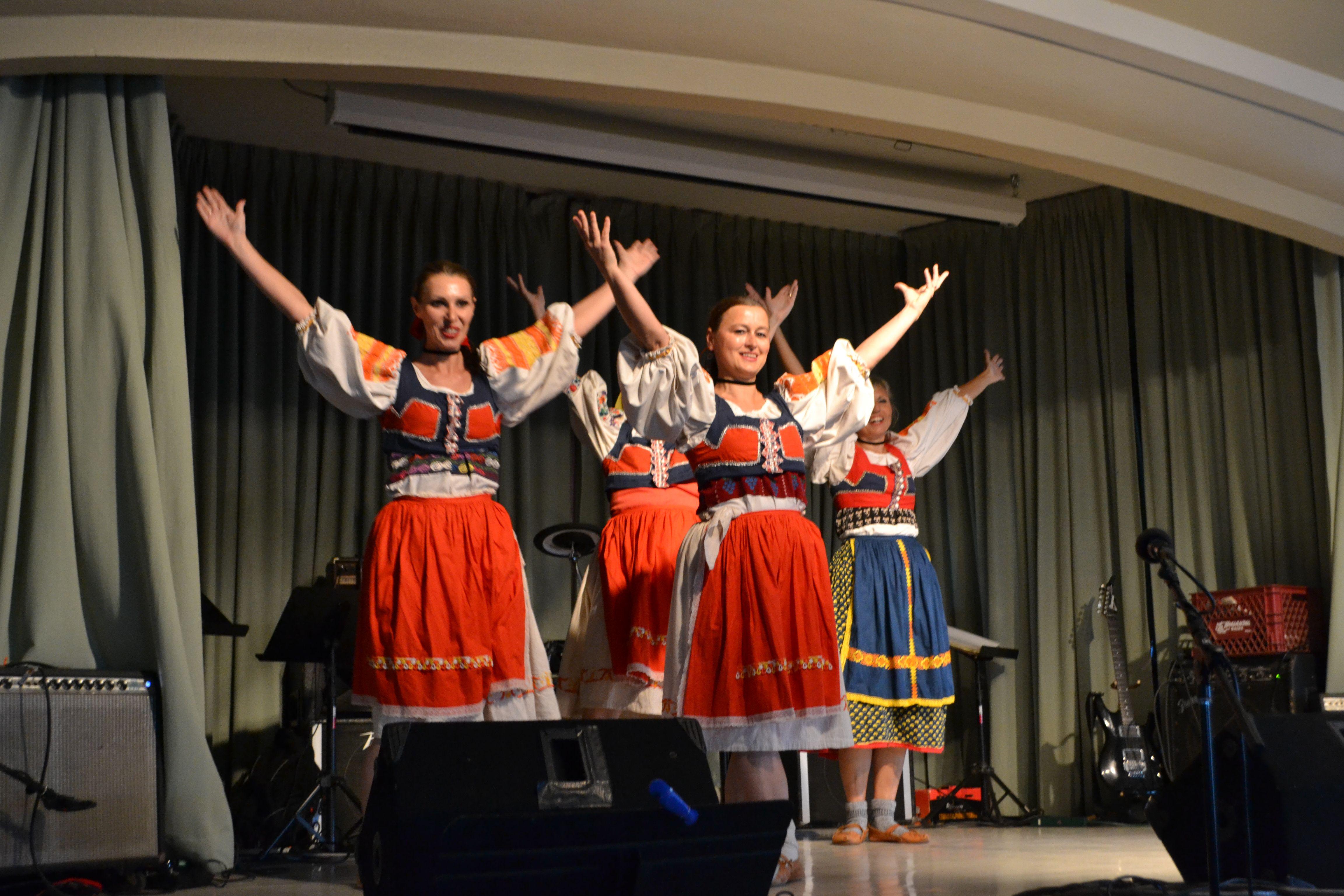 Folk Dancing Group Karicka