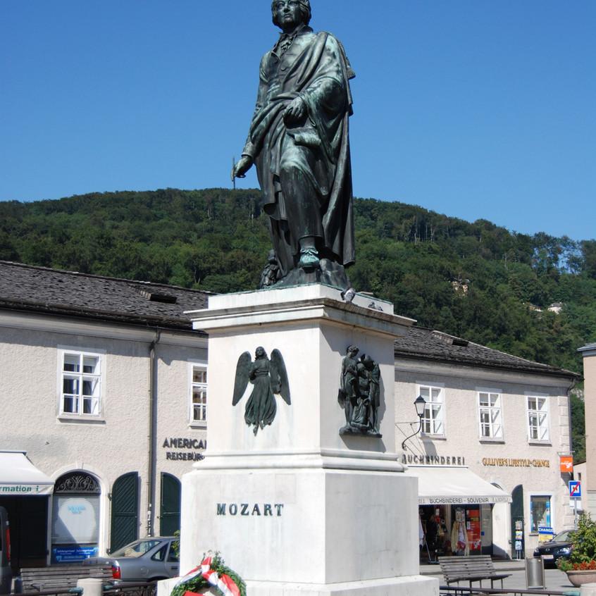 mozart-statue-in-salzburg