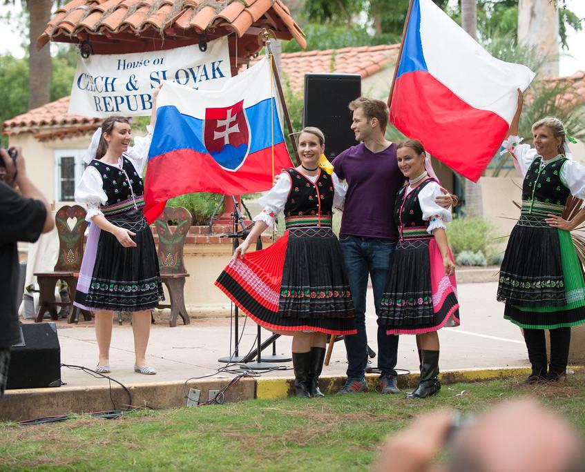 Czech & Slovak Annual Lawn Programs 2015-35-XL
